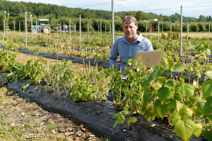 Il veut créer un réseau social et local pour aider l'agriculture