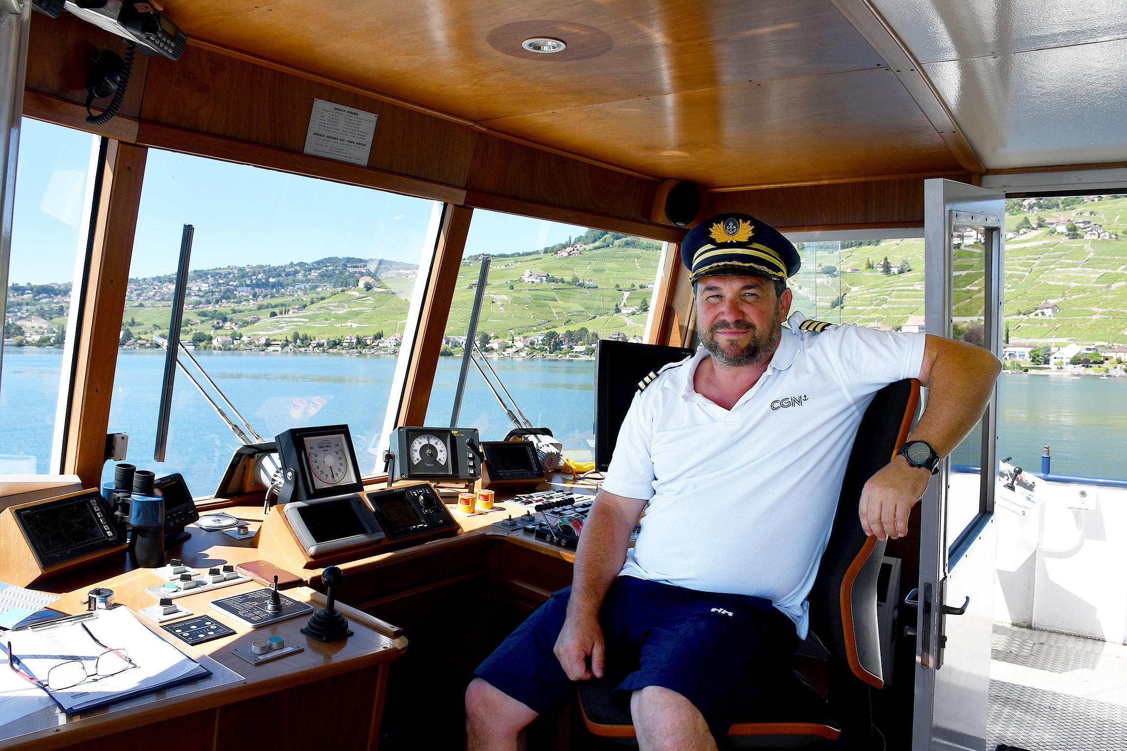 Dans la cabine d'un capitaine de la CGN
