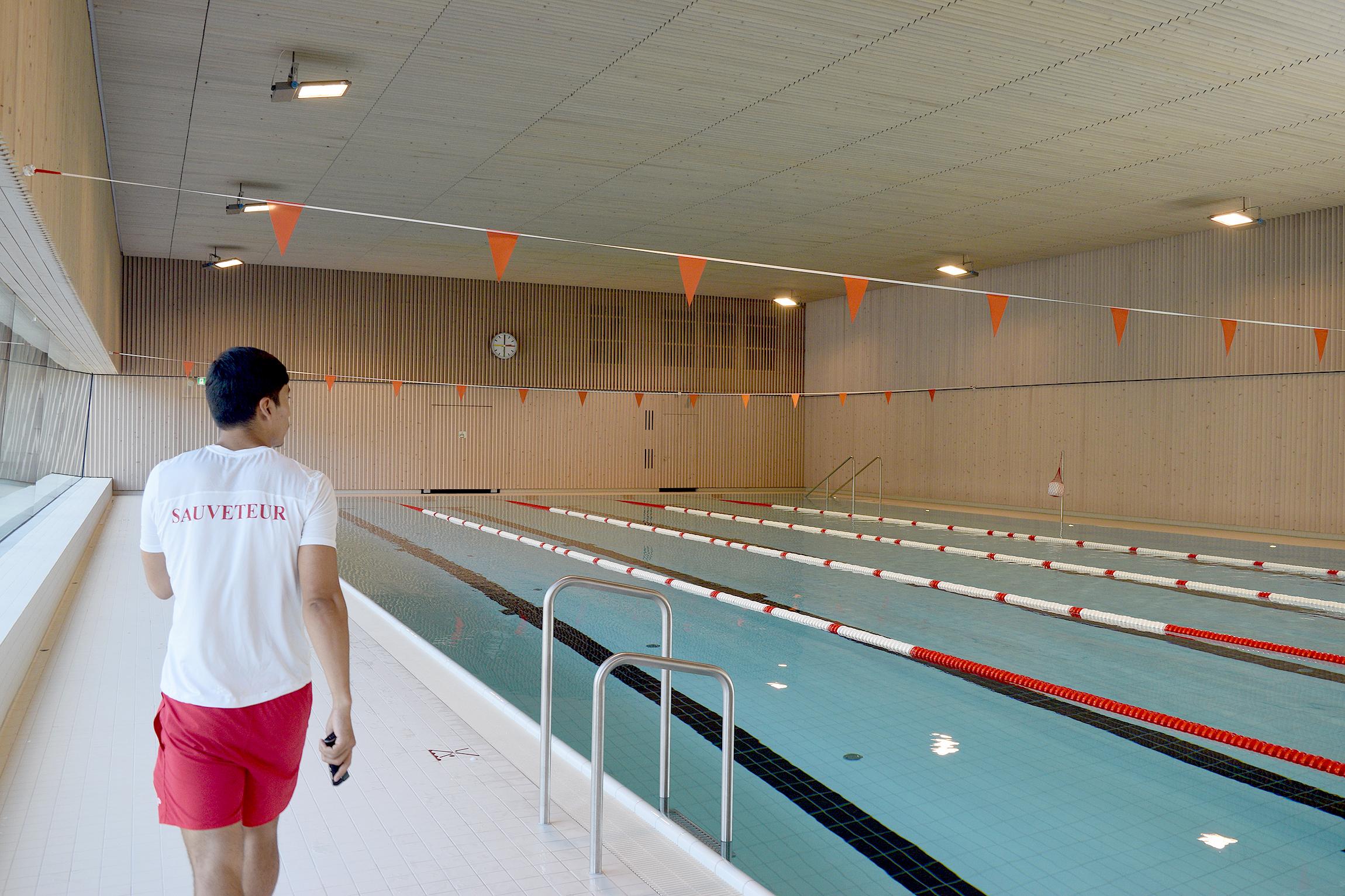 Une piscine flambant neuve à remplir