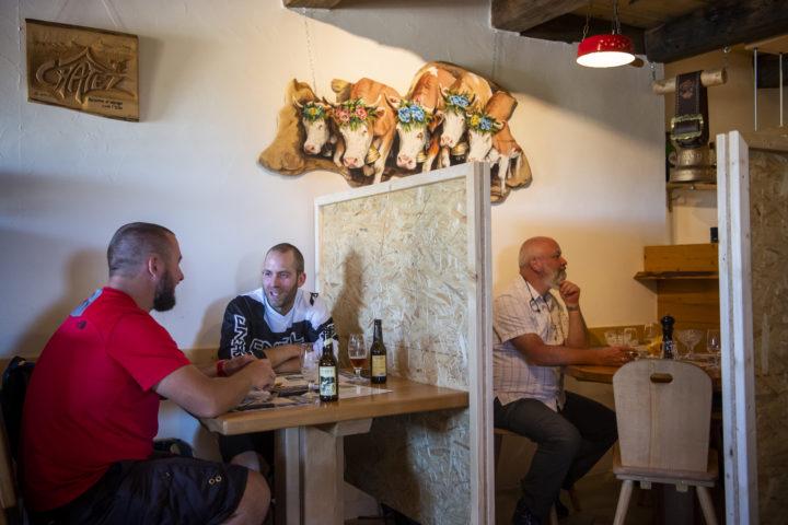 Coronavirus: Vaud serre la vis aux cafetiers-restaurateurs
