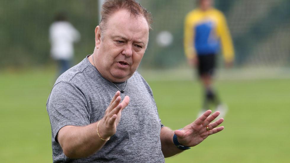 Le FC Echandens ne sait pas sur quels gants danser