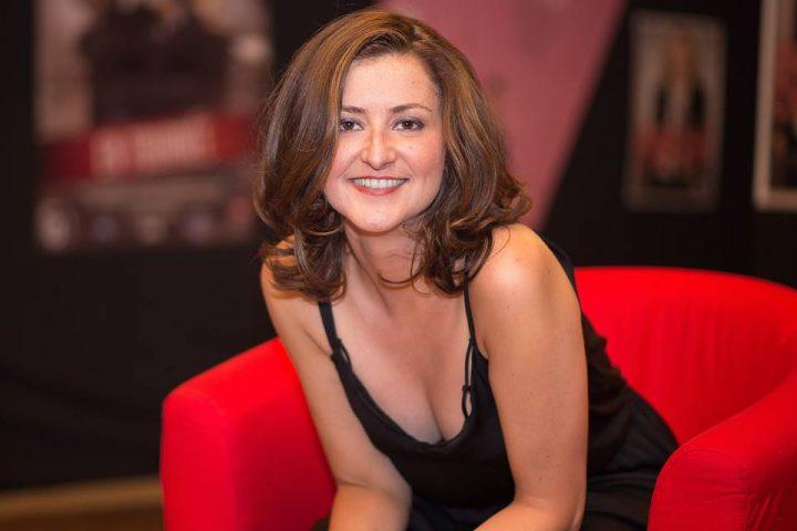 Pétillante Aurélia Decker