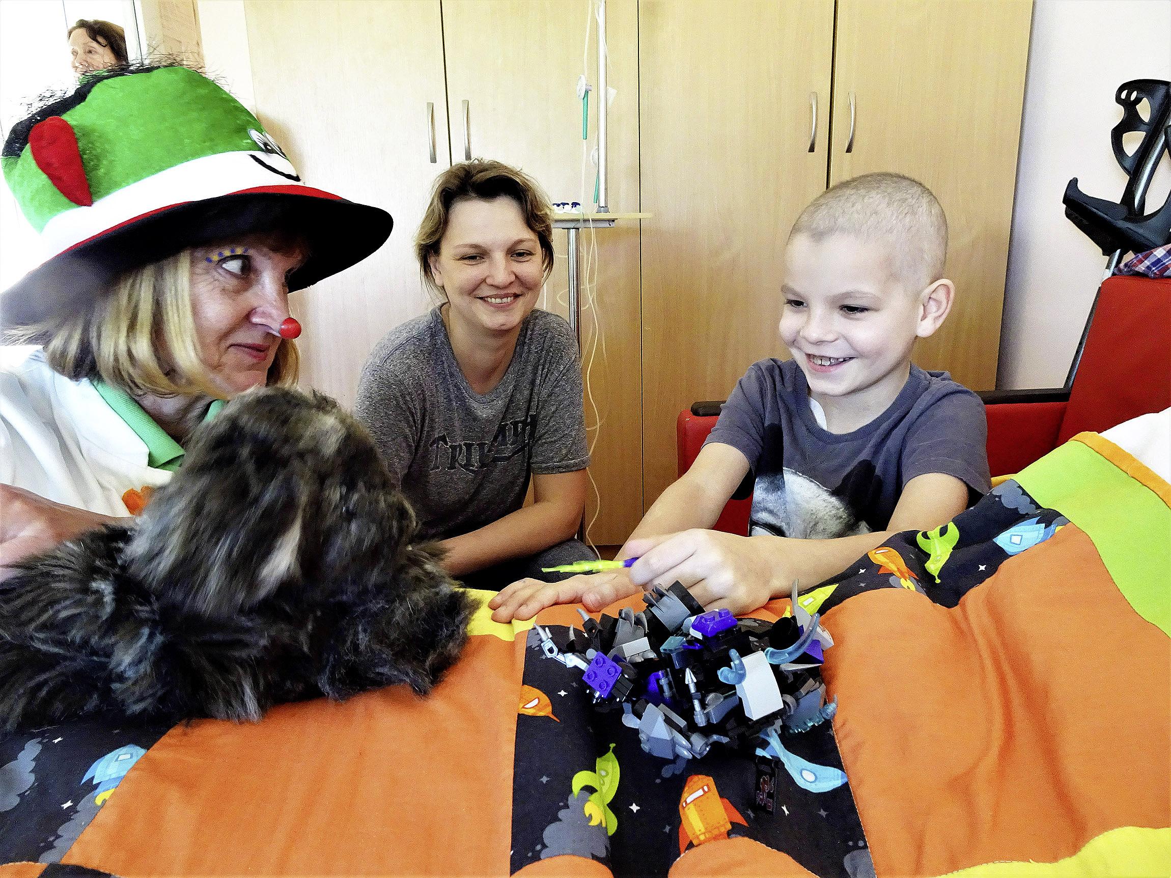 Dans les hôpitaux pour enfants avec les Docteurs Rêves