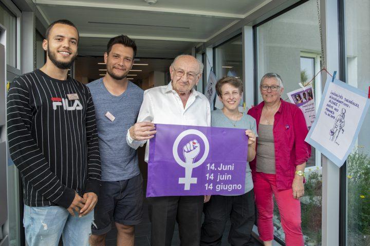 Grève des femmes au centre du débat