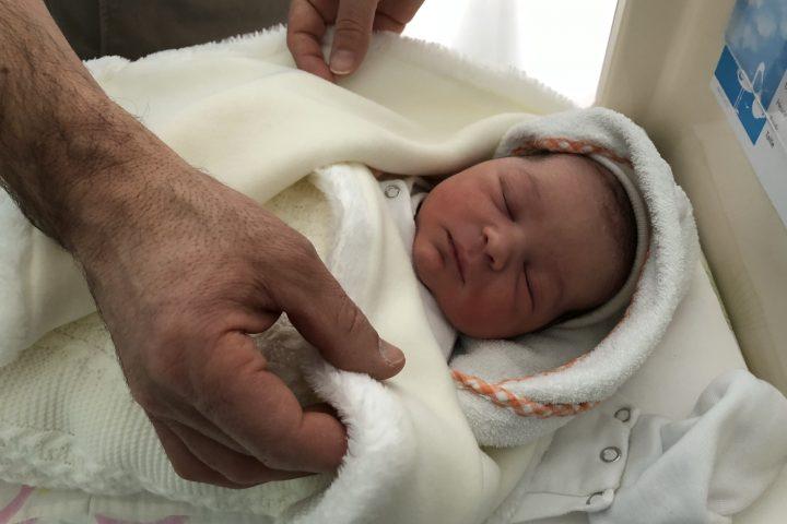 Dylan, le premier bébé de la Côte