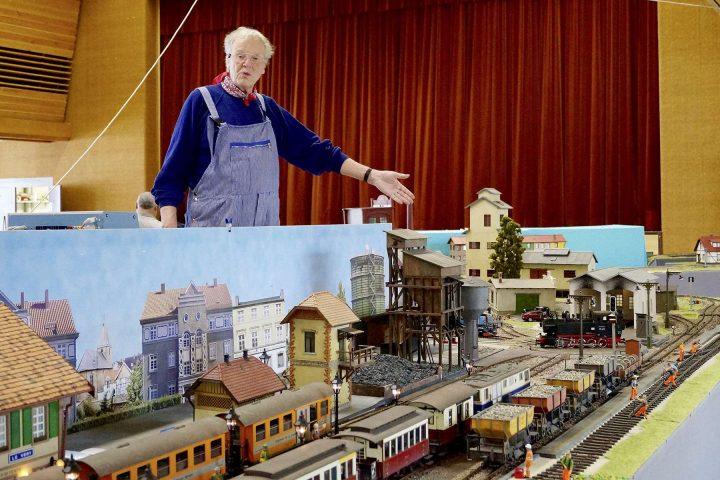 Passion géante pour trains miniatures