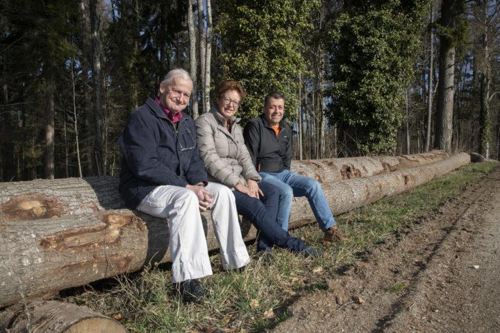 Jean-Daniel Bertholet, Ruth Müller et Pierre-Yves Morel ne peuvent que constater les coûts de leur dicastère.  Photo: Bovy
