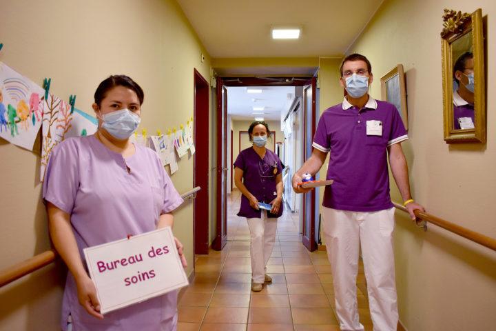 Malgré l'adversité, les différentes professions de la Fondation Baud se sont unies pour le bien-être des résidents. Photo: Cornut