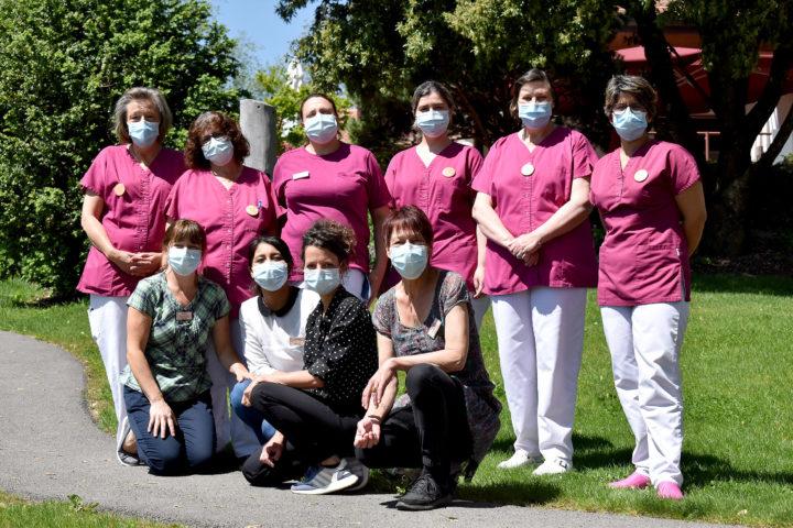 Certaines membres du secteur de l'intendance et héroïnes anonymes du quotidien de la Fondation Baud. Photo: Cornut