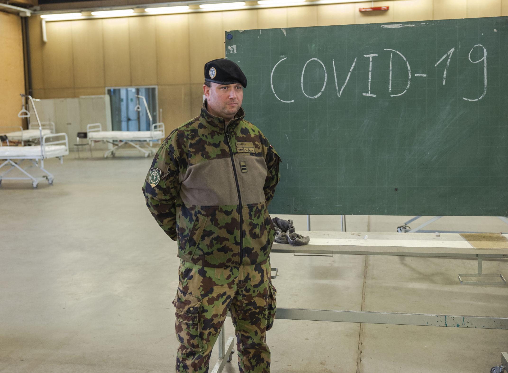 Début des écoles de recrues d'été dans l'ombre du coronavirus