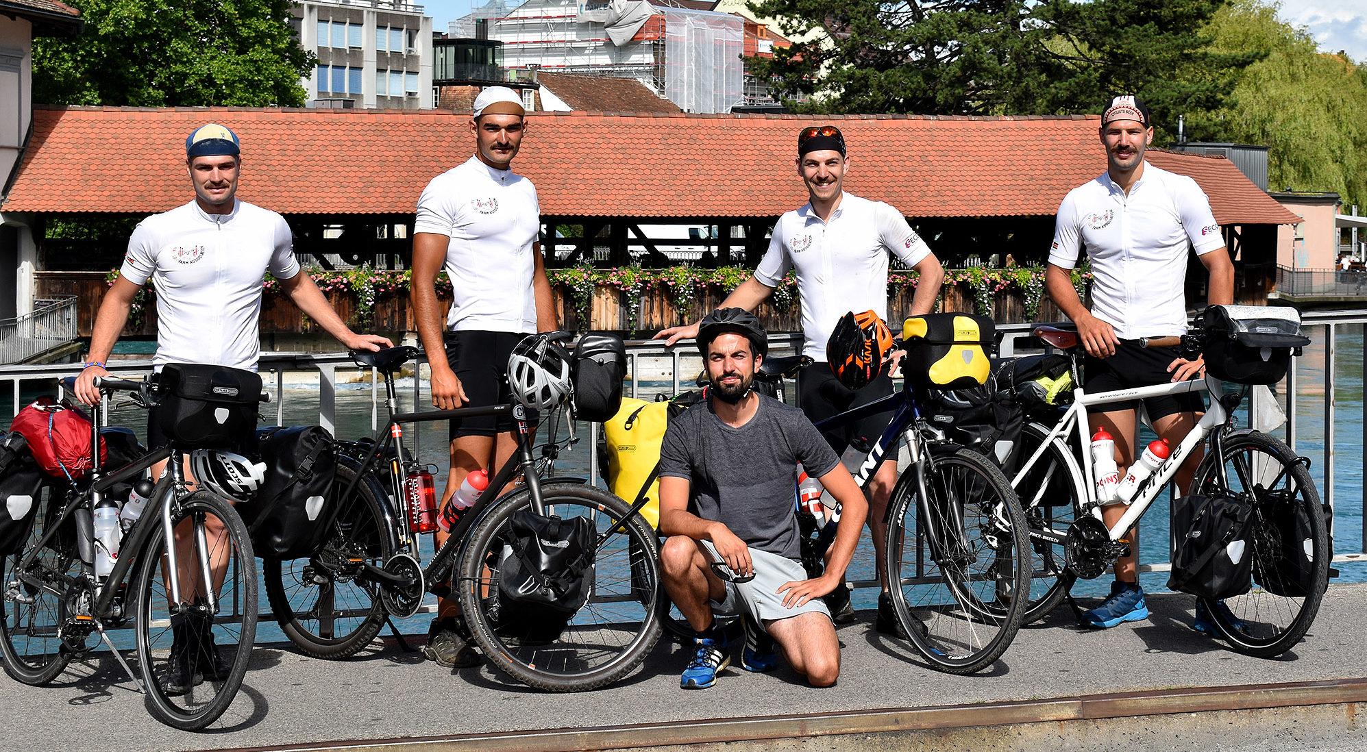 Dans la roue des cyclistes solidaires