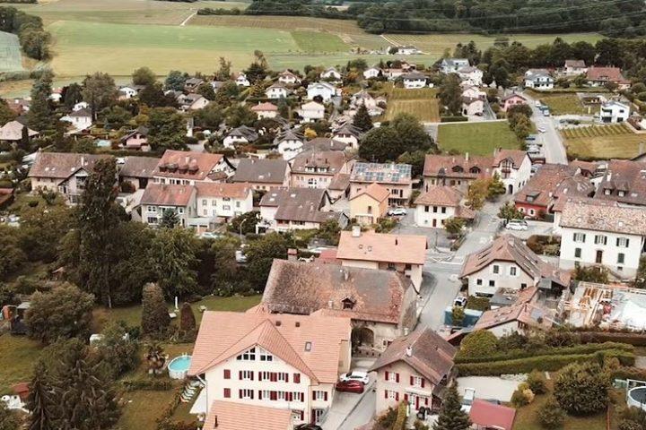 Partez à la découverte de Romanel-sur-Morges.