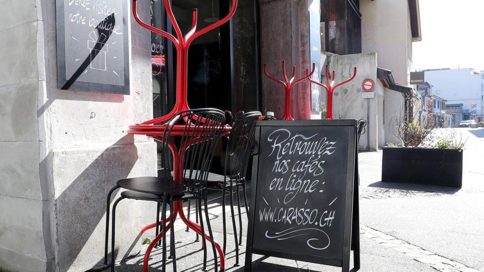 Vaud ferme à son tour les restaurants
