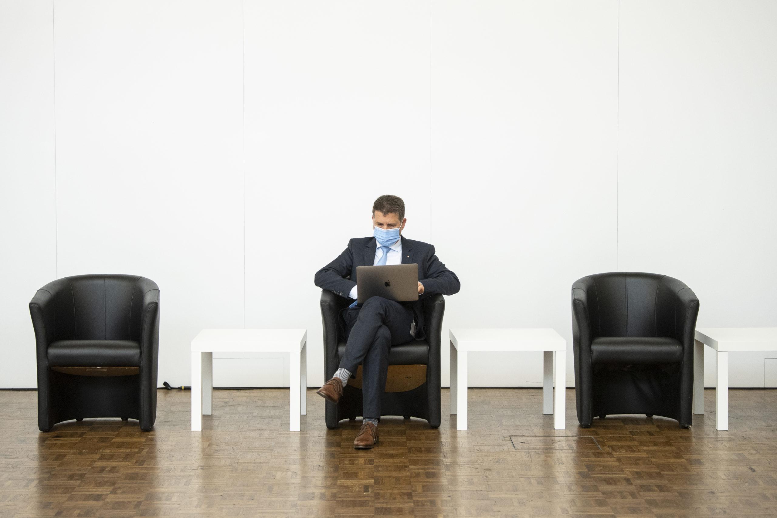 Covid: selon un sondage, la cohésion sociale diminue