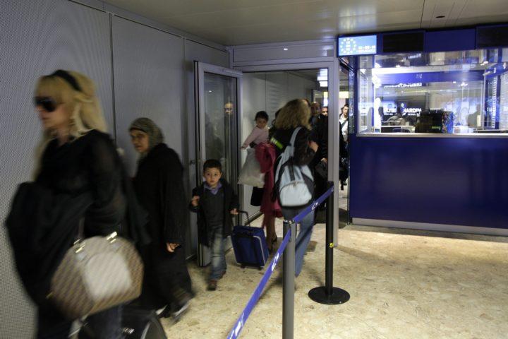 Interdiction d'entrée et quarantaine pour les personnes arrivant de Grande-Bretagne et d'Afrique du Sud