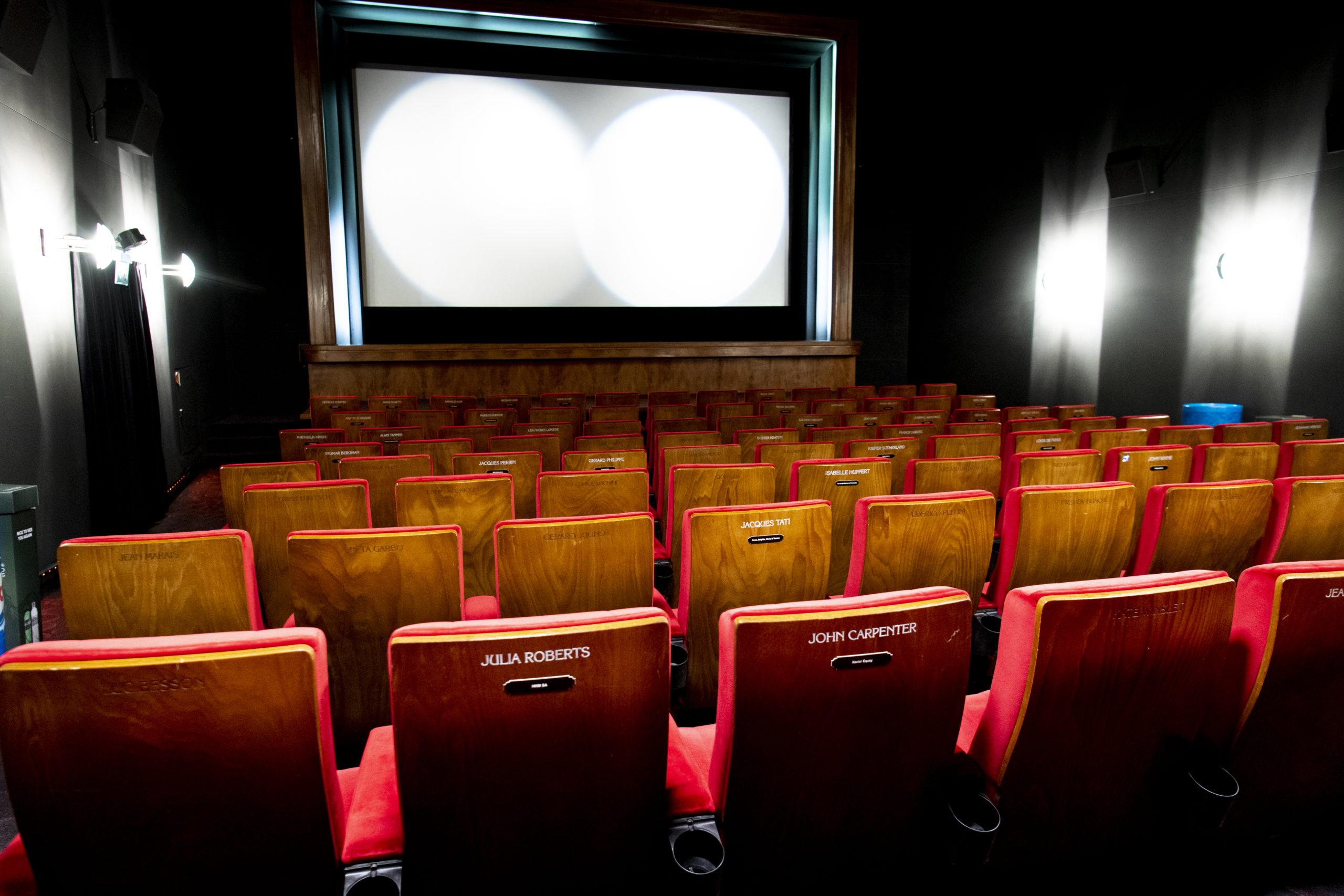 Cinéma: deux tiers d'entrées en moins
