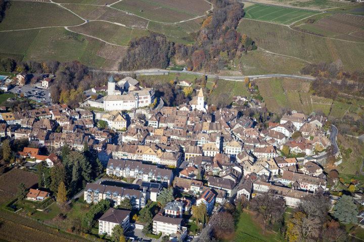 Vue aérienne d'Aubonne. Photo: Locher