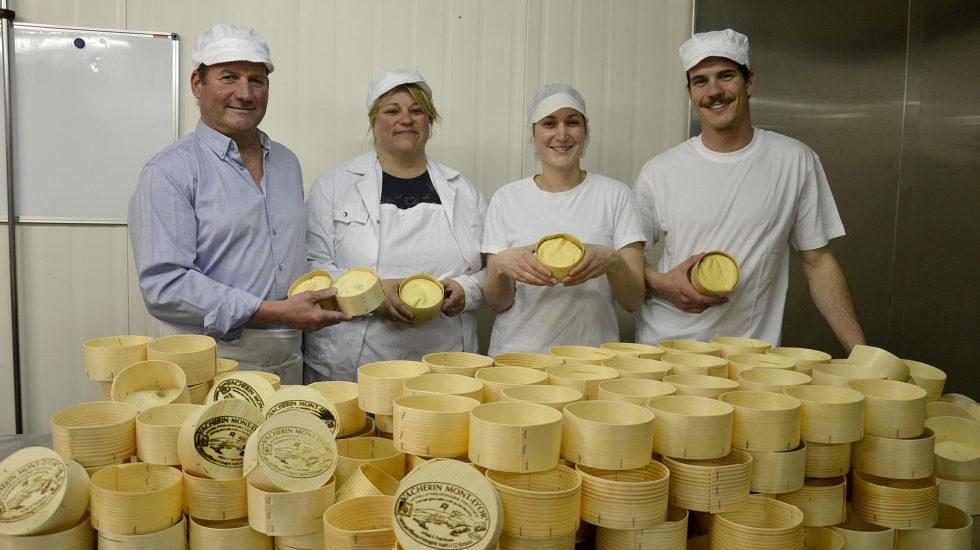 À Romanel, la tradition du fromage se conjugue en famille