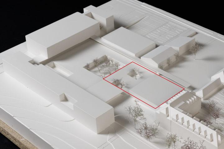 La salle sera construite dans la zone en rouge.