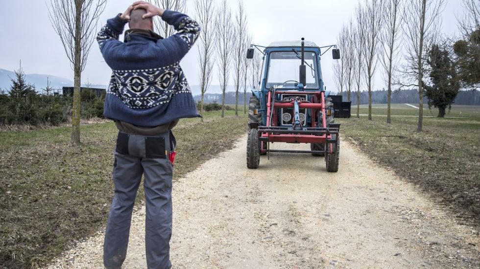 Paysans au bord de la falaise à cause de la fiscalité agricole