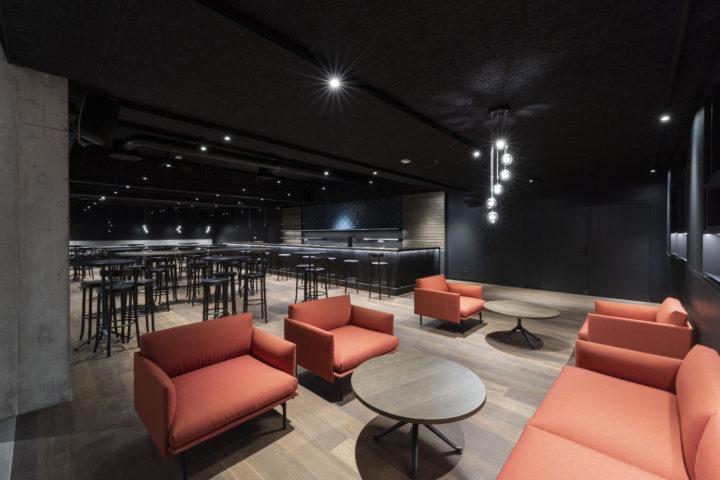 Théâtre Beausobre 2021 - hall, bar, desk. Photo: Bovy