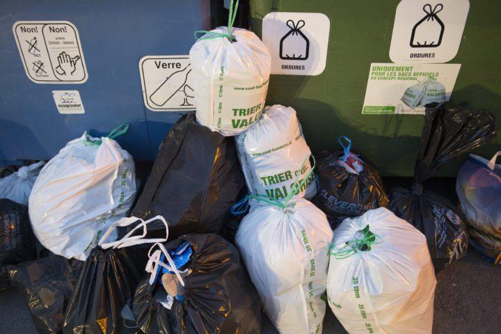 Des sacs gratuits pour les ayants droit de l'AVS-AI