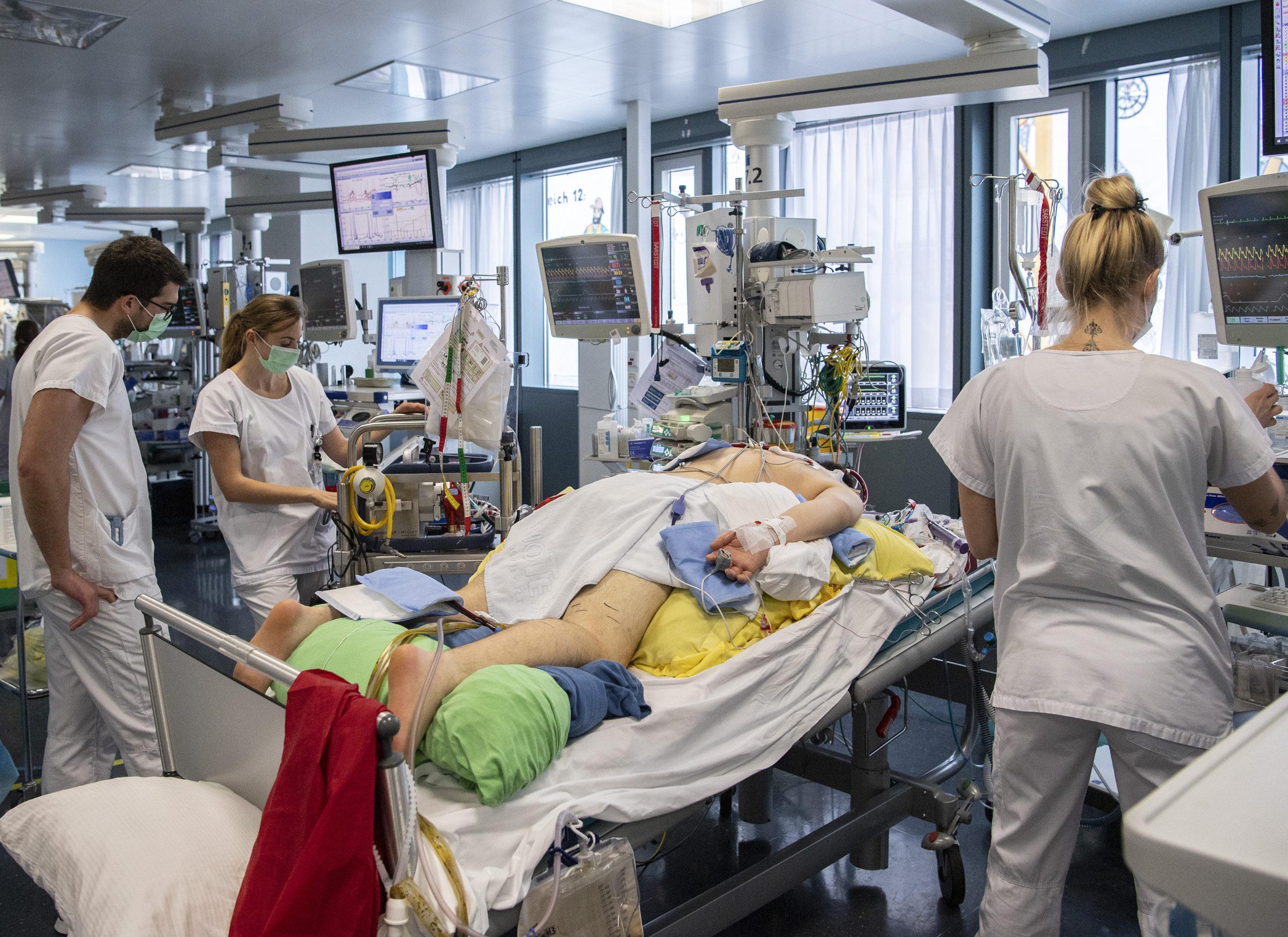 Hausse des infections et des hospitalisations liées au Covid-19
