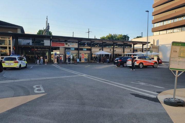 Un homme abattu sur le quai de la gare