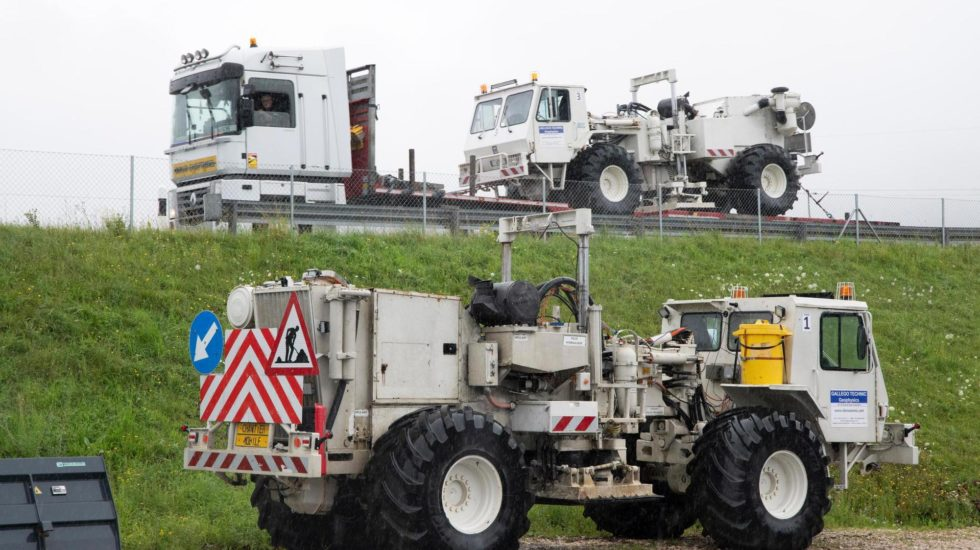 Des camions vibreurs vont sonder le sous-sol de la région