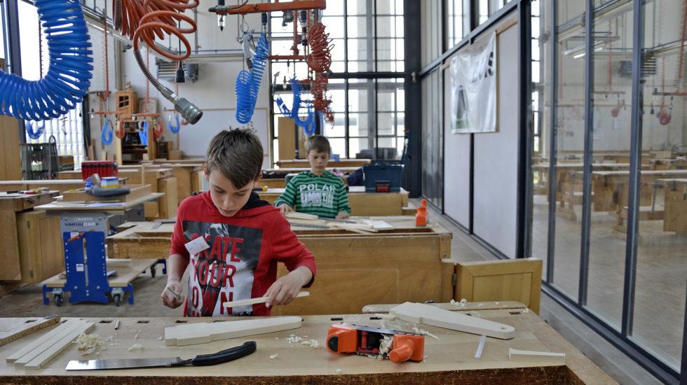 Les métiers de la construction se dévoilent à Tolochenaz
