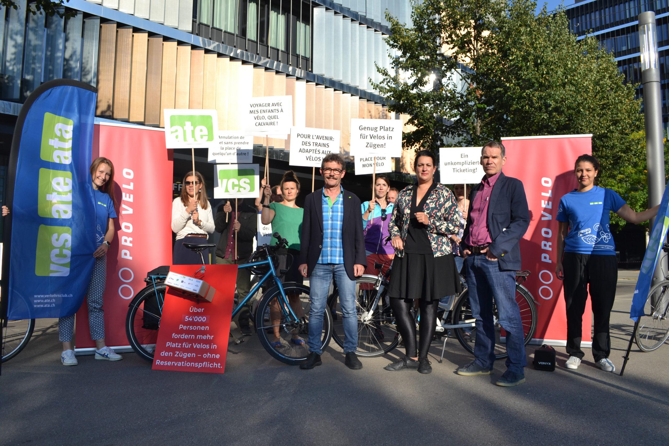 Vélos: pétition contre l'obligation de réserver dans les trains